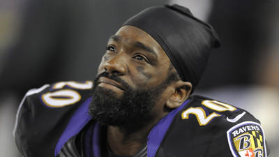 Ed Reed holds court, says he's not concerned about his future r…