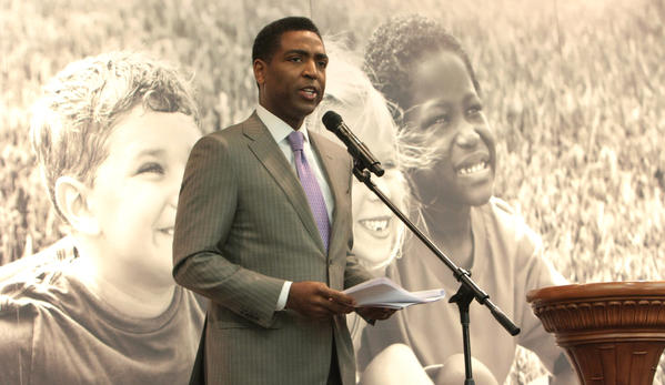 "Calvin Hughes will serve as the master of ceremonies for the ""MLK Inspirational Breakfast,"" which will take place Jan. 18 at the First Baptist Church located in Fort Lauderdale. The event will feature human rights advocate and community activist Martin Luther King III."
