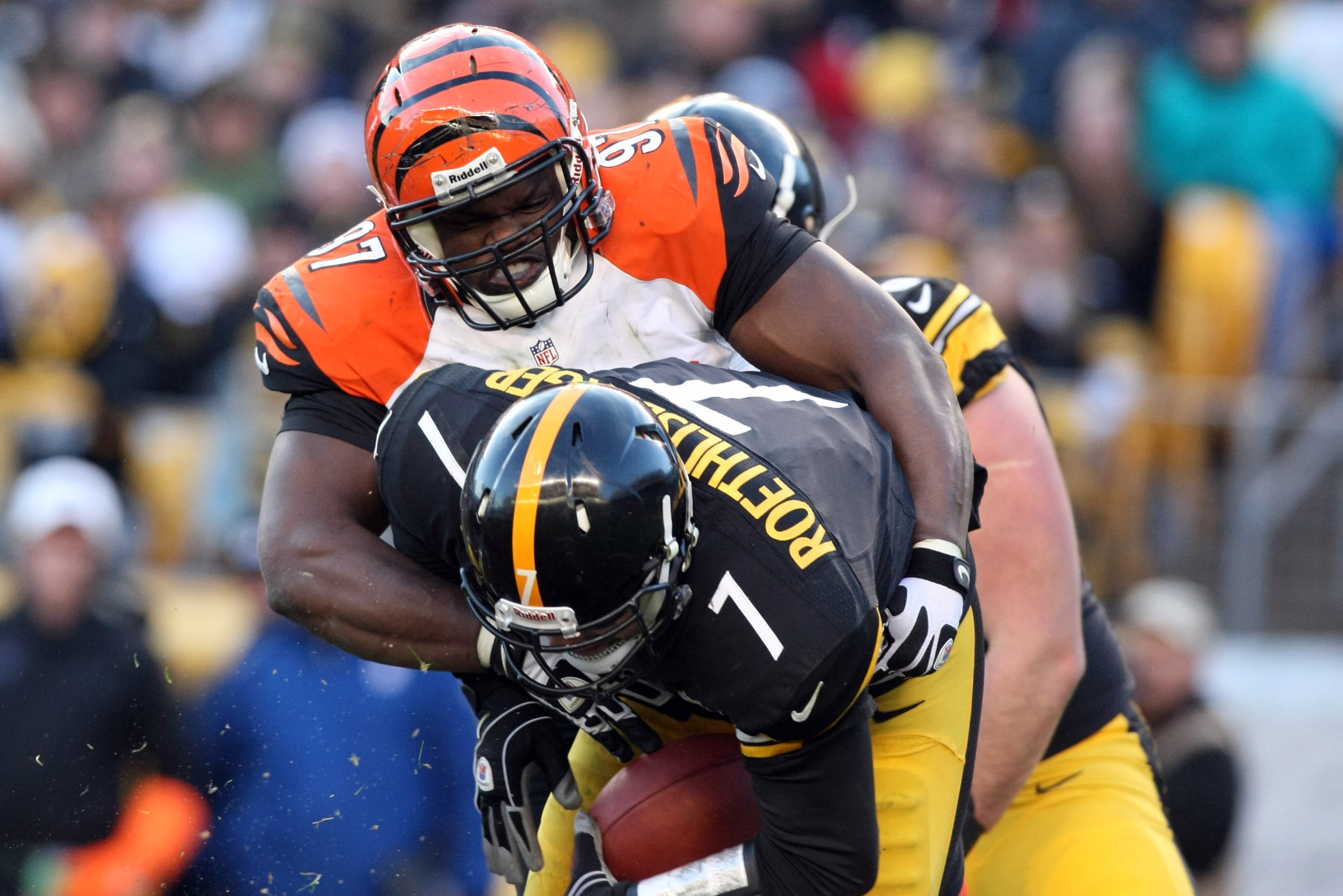 Defensive tackle Geno Atkins provides pressure for Bengals defense