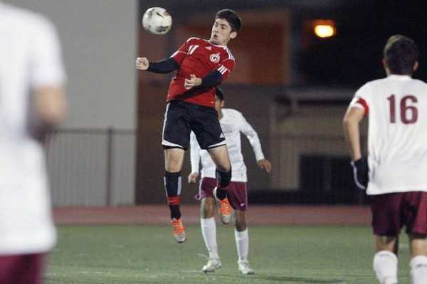 Glendale's Avo Haroutunian controls the ball against La Canada in the final game of the La Canada Tournament.