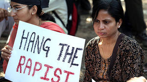 India's leaders urge calm after rape victim dies