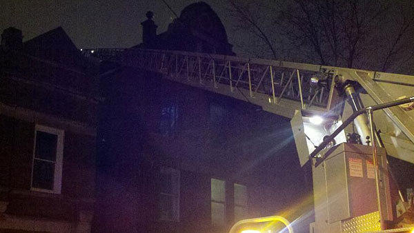 Little Village fire displaces 10 kids, 10 adults from 2400 S. Drake.