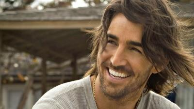 Jake Owen has many reasons to smile