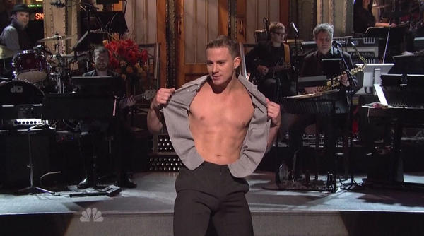"Channing Tatum does a little ""Magic Mike"" during his ""SNL"" hosting gig."