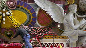 2013 Rose Parade: Submit your photos