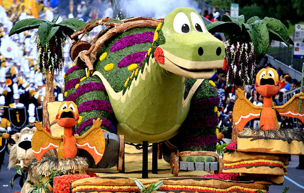 "La  Cañada Flintridge Tournament of Roses Assn.'s float ""Dino-Soar"" won the Animation Trophy for best animation and motion."
