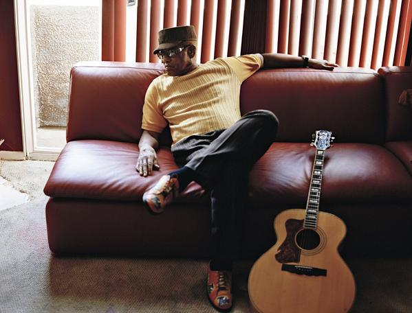 Bobby Womack has announced that he's suffering from Alzheimer's disease.