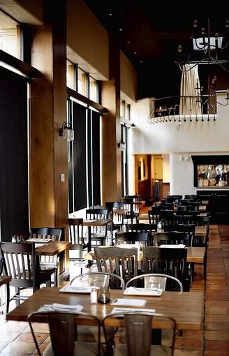 Elle Harrow and Terry Markowitz named Laguna Beach's Three Seventy Common as one of their favorite new restaurants of 2012.