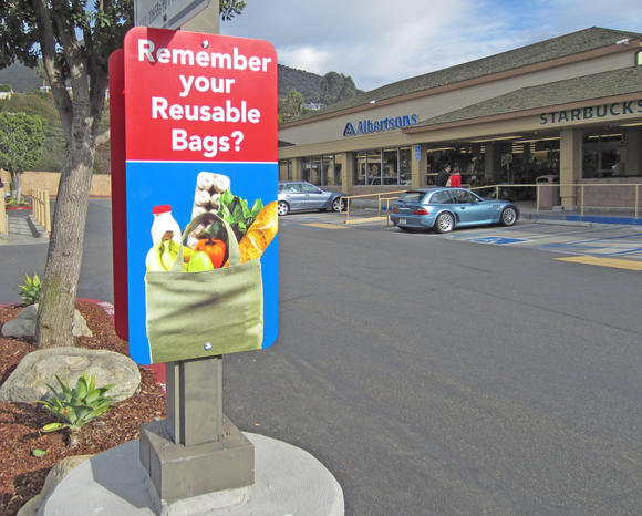 The local Albertsons reminds shoppers not to forget their resuable bags.