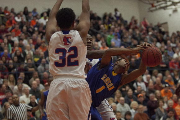 Jaylon Tate (1), an Illinois recruit, and Simeon face Montverde (Fla.), the No. 1-ranked team in the country, Saturday in West Virginia.