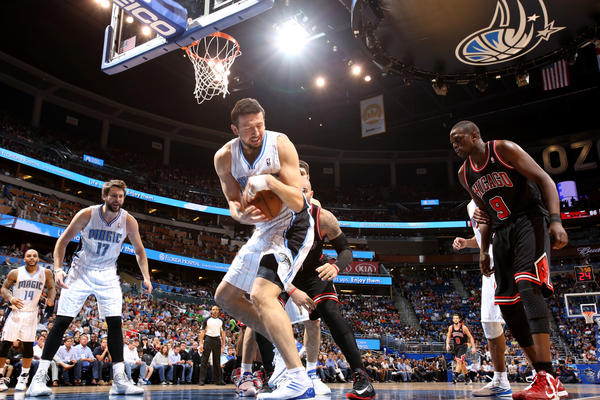 Orlando forward Hedo Turkoglu (15) grabs a defensive rebound during the second half of the Magic's 96-94 loss to the Chicago Bulls in Orlando, Fla.