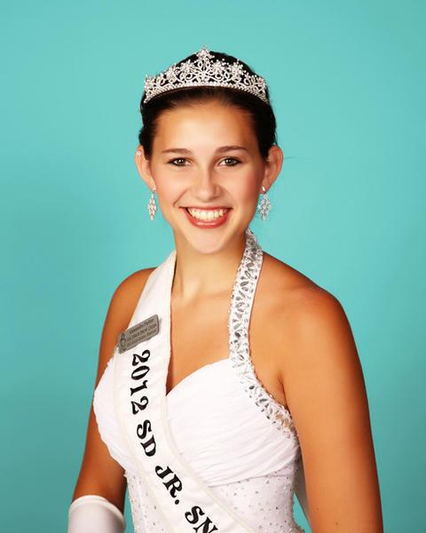 Miss Junior Snow Queen 2012 Alexandra Farber