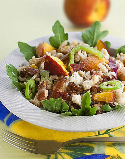 "Fresh peaches star in this Dinner Tonight recipe created by Good Eating editor <a href=""http://bio.tribune.com/JoeGray"">Joe Gray</a> to take advantage of the summer fruit."