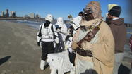 "Chicago Zookeepers and the 501st Midwest Garrison take ""The Wampa Plunge"" [GALLERY]"