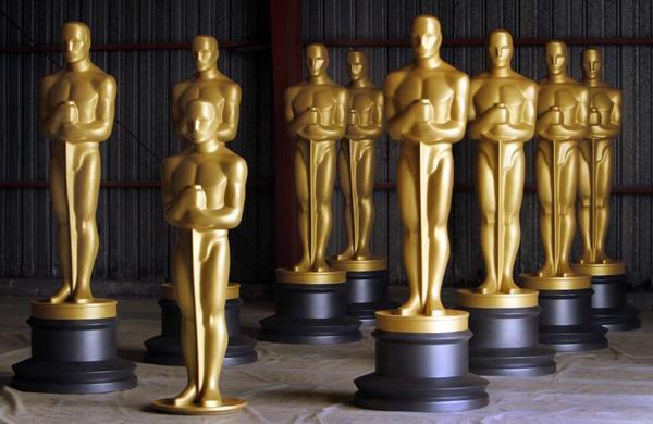 Oscar statues.