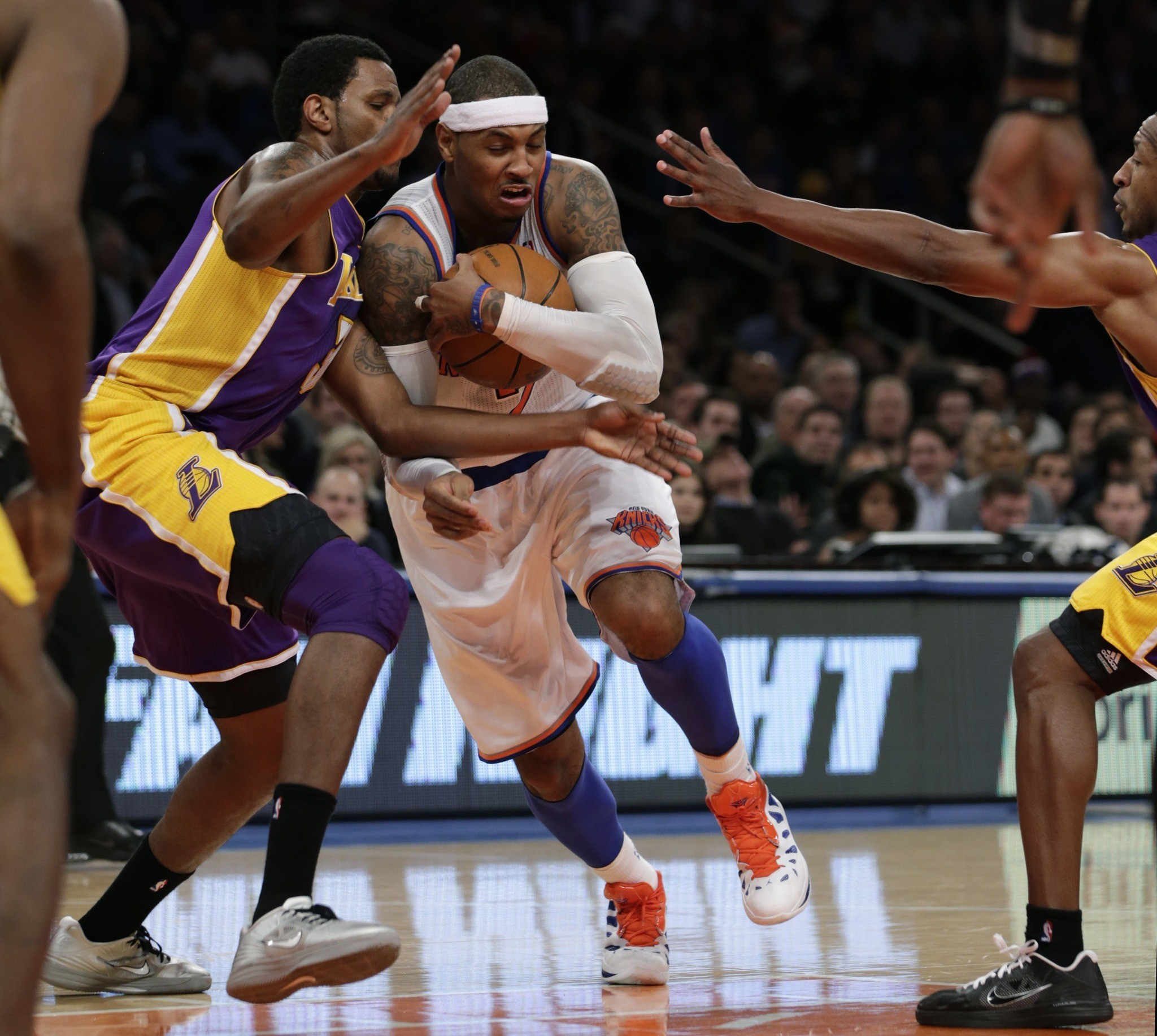 Photos: Lakers vs. Knicks - Carmelo Anthony, Devin Ebanks