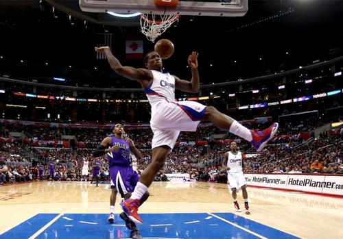 Eric Bledsoe throws down a dunk against the Sacramento Kings on Friday at Staples Center.