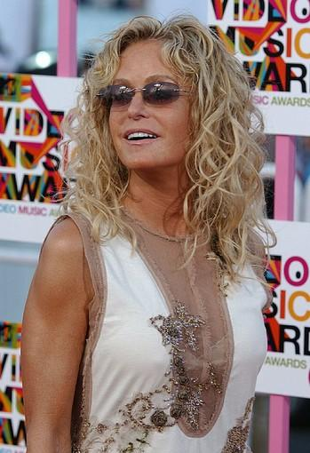 "No doubt, one of the major mistakes of the 2010 Oscars was the <a href=""http://latimesblogs.latimes.com/gossip/2010/03/farrah-fawcett-academy-apologizes-for-oscar-snub.html"">omission of Farrah Fawcett from the ""In Memoriam"" section.</a> The Academy of Motion Picture Arts and Sciences eventually made some apologies,"