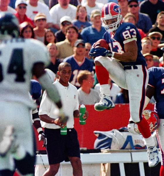 Buffalo Bills wide receiver Andre Reed (83) makes his 900th career reception during the second quarter against the Philadelphia Eagles at Ralph Wilson Stadium, Sunday, Sept. 26, 1999.