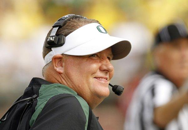 After giving Oregon fans another scare this year, Ducks Coach Chip Kelly reportedly has decided to stay put rather than making the leap to the NFL.