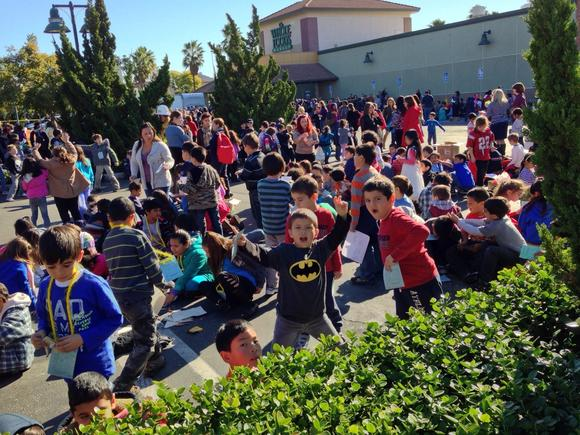 Hundreds of students were evacuated to the Whole Foods parking lot on Glendale Avenue Monday morning after a bomb threat was called into R.D. White Elementary School.