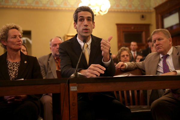Rep. Daniel Biss (D-Evanston), center, presents the pension reform bill along with co-sponsor Rep. Elaine Nekritz (D-Northbrook), left, and House Minority Leader Tom Cross (R-Oswego), right, to the House Personnel & Pensions Committee today in Springfield. The committee passed the bill which now moves to the House floor.