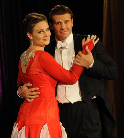 Midseason TV 2013: What to expect when your favorite shows return: Returns 8 p.m., Monday, Jan. 7  The return of Bones is super-sized with two episodes airing back-to-back after the winter hiatus. In the first, Booth and Brennan head undercover to find a murderer while competing in a televised dance competition. The second case involves an archeologist found dead in what appears to be a cocoon.