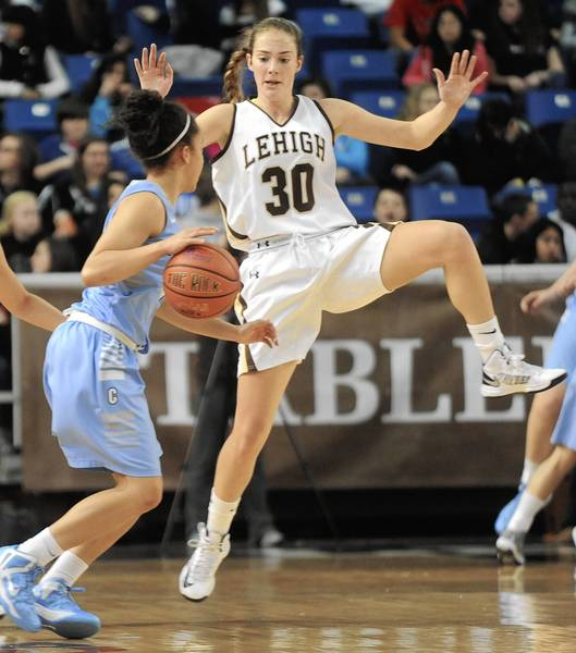 Columbia's Taylor Ward (left) is defended by Lehigh's Katie O'Reilly at Stabler Arena on Monday.