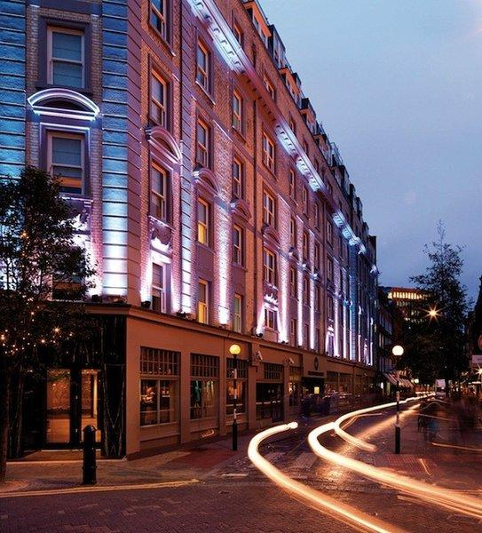 The Radisson Blu Edwardian Mercer Street at Covent Garden and other Blu hotels offer a hotel package that includes tickets to an upcoming David Bowie museum show.