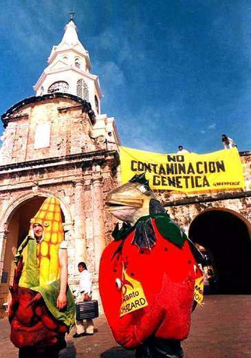 These people protesting in Colombia against genetically modified foods may think they're helping preserve the environment, but they're not, says former opponent/current supporter Mark Lynas.