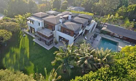 Actor Matt Damon lives in a celebrity-populated part of Pacific Palisades.