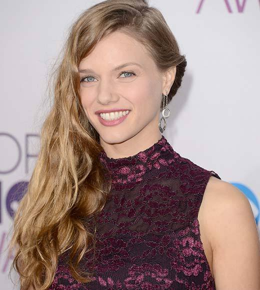 People's Choice Awards 2013: The Red Carpet: Tracy Spiridakos