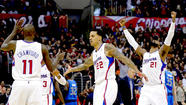 Clippers steal thunder from Lakers