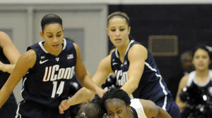 UConn Women Dominate Georgetown, 75-48