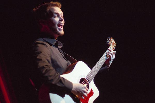 """Chase Padgett, who performs a one-man show he created called """"6 Guitars."""""""