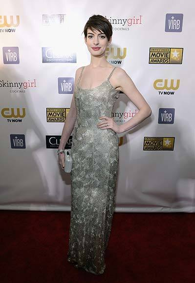 Critics' Choice Awards 2013: Red Carpet Arrivals: Anne Hathaway