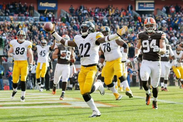 Chris Rainey scores a touchdown against the Cleveland Browns on Nov. 25.