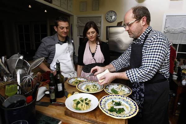 Los Angeles Times Food Editor Russ Parsons teaches Carter Calhoun and his fiancee, Meghan Garvey, how to prepare basic pasta that can be a jumping-off point for several dishes.