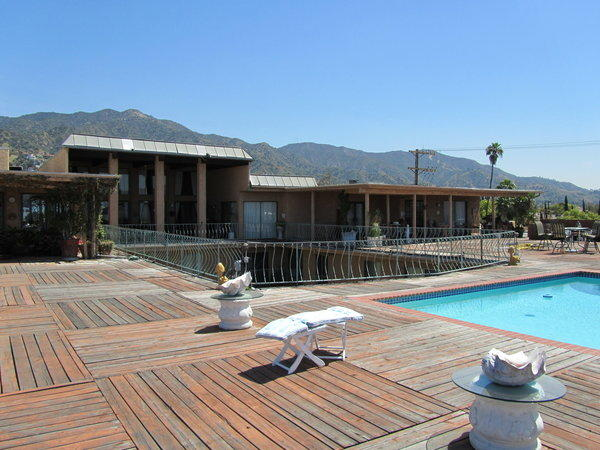 The owner's penthouse, pool and deck at 1970s Burbank apartment complex.