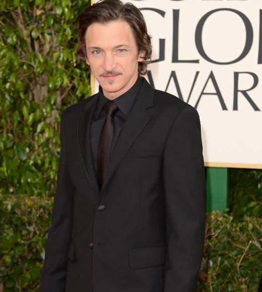 Photos: Golden Globes 2013 red carpet arrivals: John Hawkes