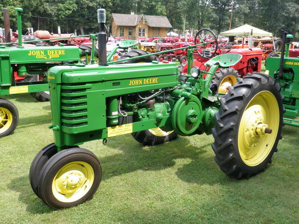 Larry Barnhart is the second owner of this 1945 John Deere H tractor that originally came from West Virginia. He frequently uses this tractor to tow a small cart with his John Deere LUC engine and saw.