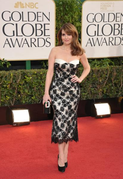 Tina Fey's black-and-white lace L'Wren Scott dress came in a surprisingly chic tea length, which turned out to be a trend.