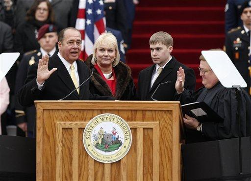 Tomblin sworn in