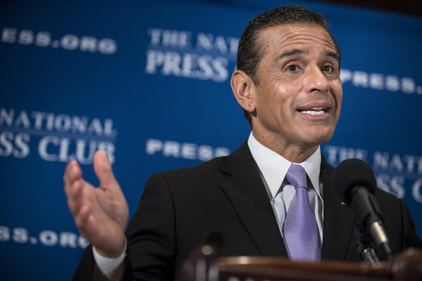 Los Angeles Mayor Antonio Villaraigosa speaks during a luncheon at the National Press Club in Washington.