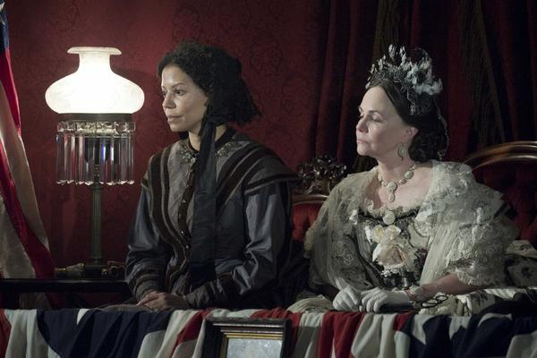 "Gloria Reuben as Elizabeth Keckly and Sally Field as Mary Todd Lincoln in a scene from Steven Spielberg's movie ""Lincoln."""