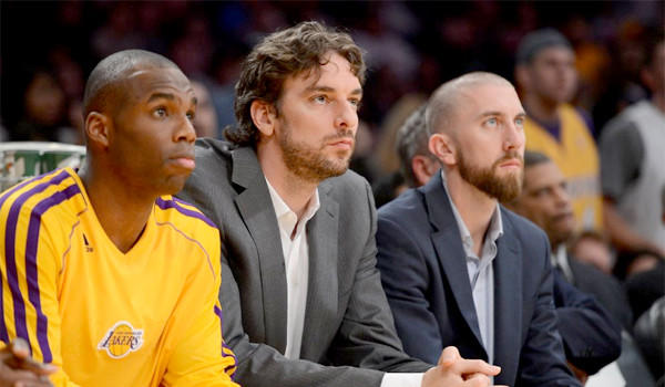 Pau Gasol watching from the bench Tuesday night, his fifth game out because of a concussion. He might play Thursday.