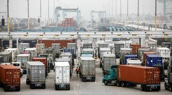 Container traffic at L.A., Long Beach ports flat in 2012