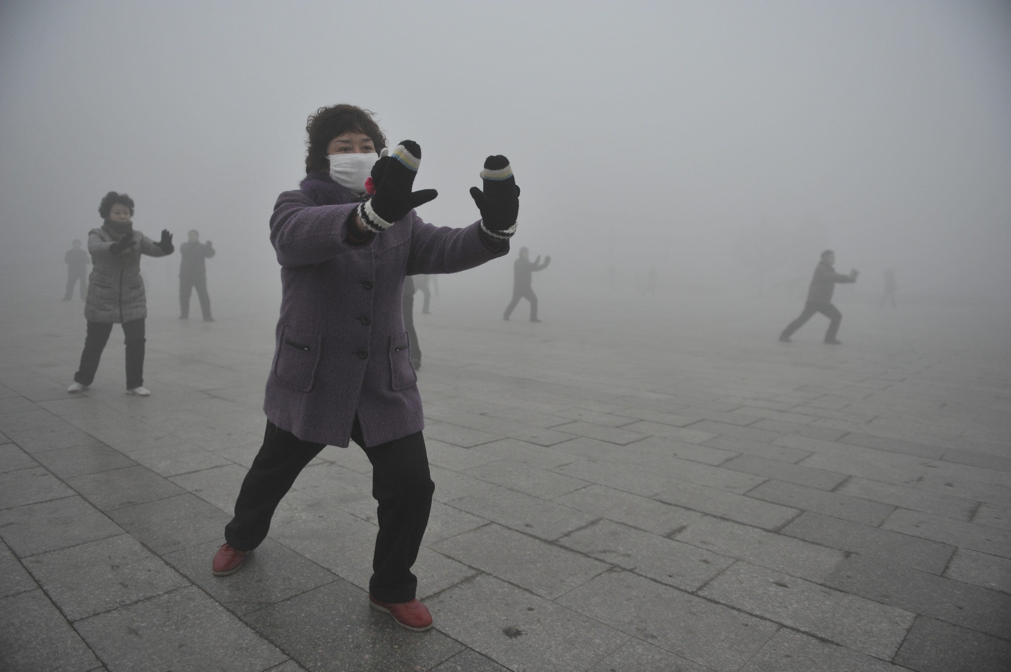 Smog in China - Tai chi