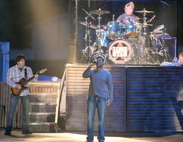 Lonestar performs at Brown County Fair. American News Photo by John Davis