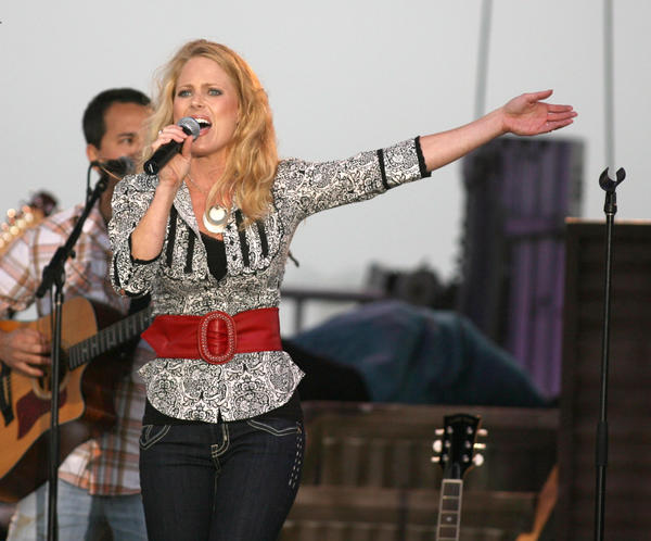 Taryn Kranhold performs at the Brown County Fair. American News Photo by John Davis